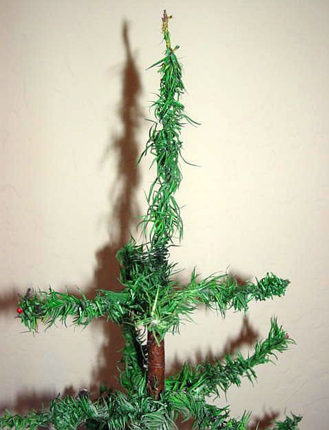 Wire Christmas Tree Ornament Holder